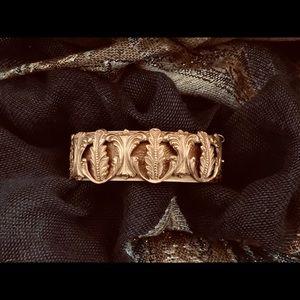 Jewelry - Vintage Brass Leaf Bangle 🌺